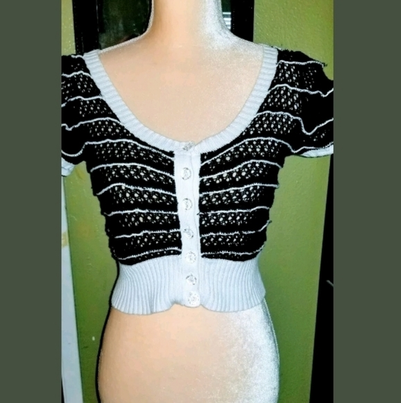 Betsey Johnson Sweaters - Betsey Johnson cropped striped sweater Cardigan